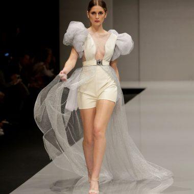 Vestido largo de rejilla plateada